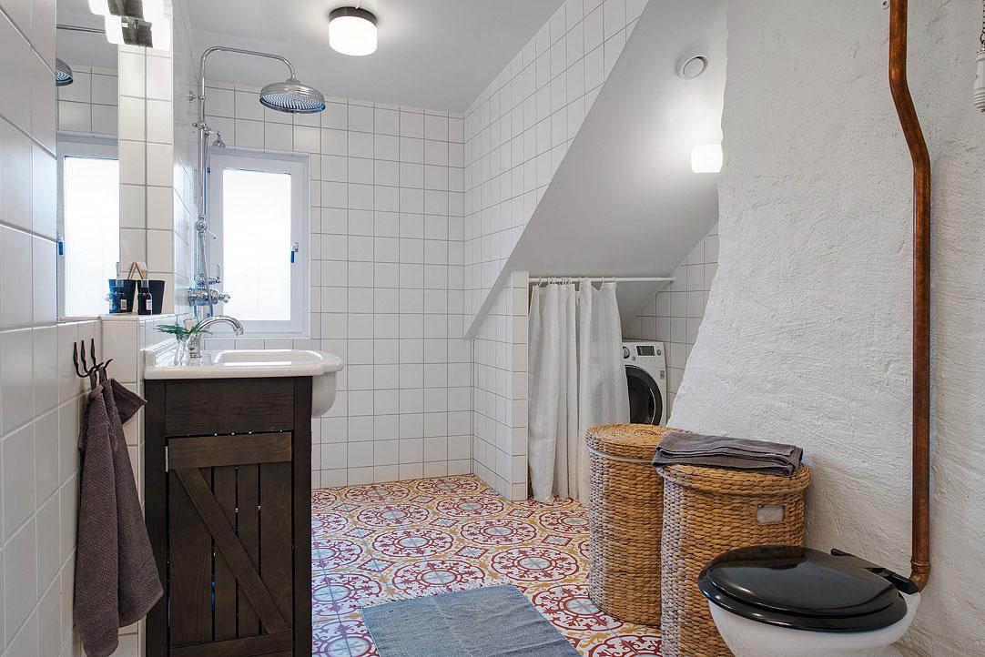 small-attic-apartment-4