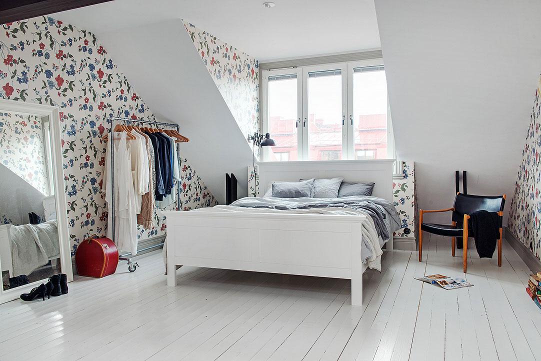 small-attic-apartment-5
