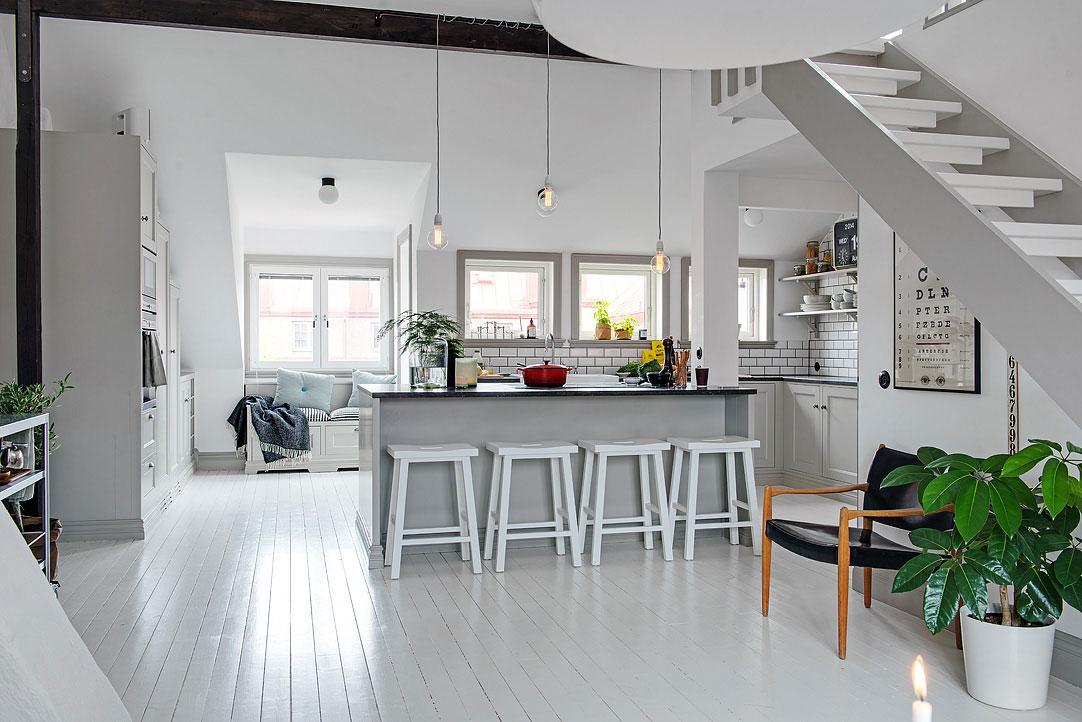 small-attic-apartment-7