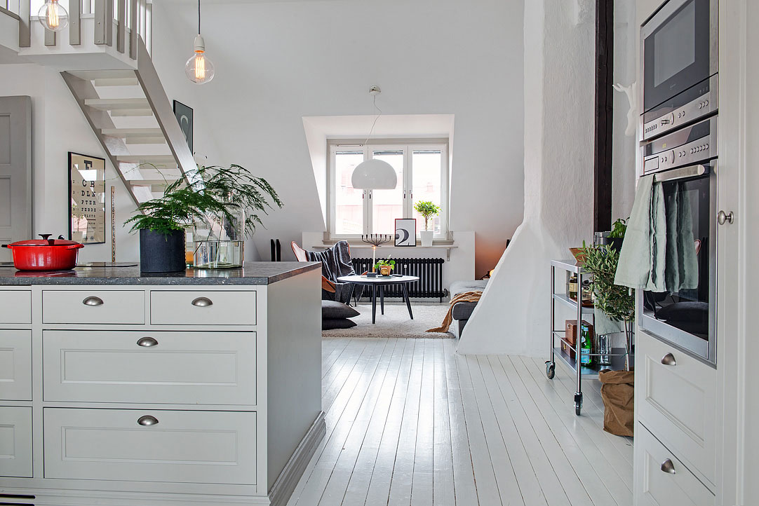 small-attic-apartment-8