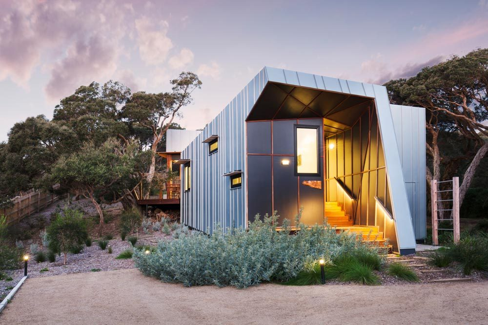Small Beach House Design W Zinc Cladding In Mornington Peninsula AU