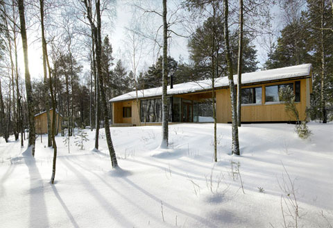 small cabin finland 3 - Villa Kallioniemi: worshiping wood