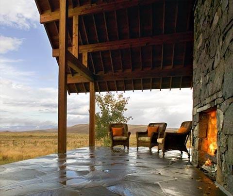 small-cabin-fireplace-colorado