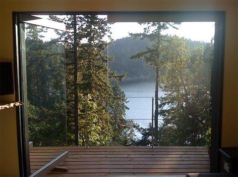 """small-cabin-office-cube-3 """"title ="""" small-cabin-office-cube-3 """"width = """"480"""" height = """"358"""" class = """"alignnone size-full wp-image-15605"""" /> </p> <p> Một thanh làm bằng gỗ, được sử dụng làm máy trạm được đặt dọc theo một bức tường bên. Mái nhà màu xanh lá cây là Một mảnh thiên nhiên củng cố ý tưởng sinh thái của sự thanh thản và hợp nhất. Trên thực tế, một cửa sổ toàn bộ trước sân thượng sàn gỗ này có chức năng như một màn hình động lớn được điều chỉnh trên kênh National Geographic Cảnh quan độ nét cao trong 3D! Thật là một không gian tuyệt vời để làm việc và thư giãn trong! </p> <p> <img src="""
