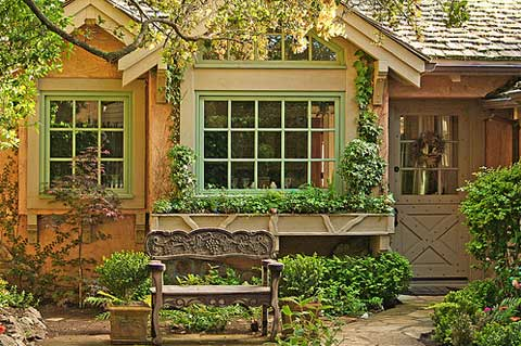 small-cottage-living-carmel
