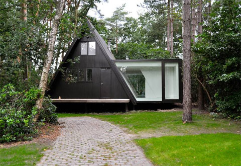 small-forest-cabin-belgium