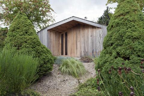small-garden-house-onix