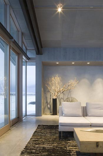 small glass farmhouse 6 - Glass Farmhouse: Small Scale Modernism