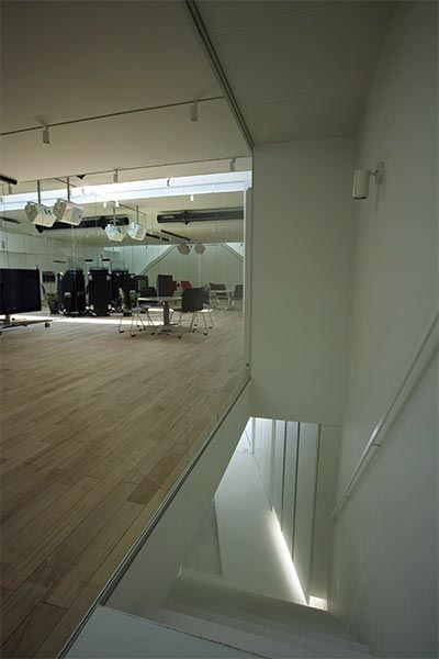 small-house-dance-studio-1