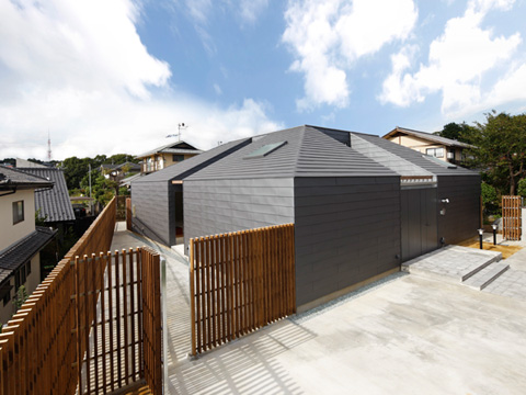 small-house-japan-ygym-01