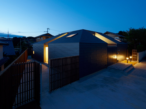 small house japan ygym 10 - House Yagiyama:  a fortress for retirement