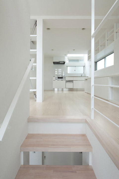 House in Kikiuchio: the gentle art of translucency