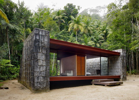 rio bonito house a domestic temple among palm trees. Black Bedroom Furniture Sets. Home Design Ideas