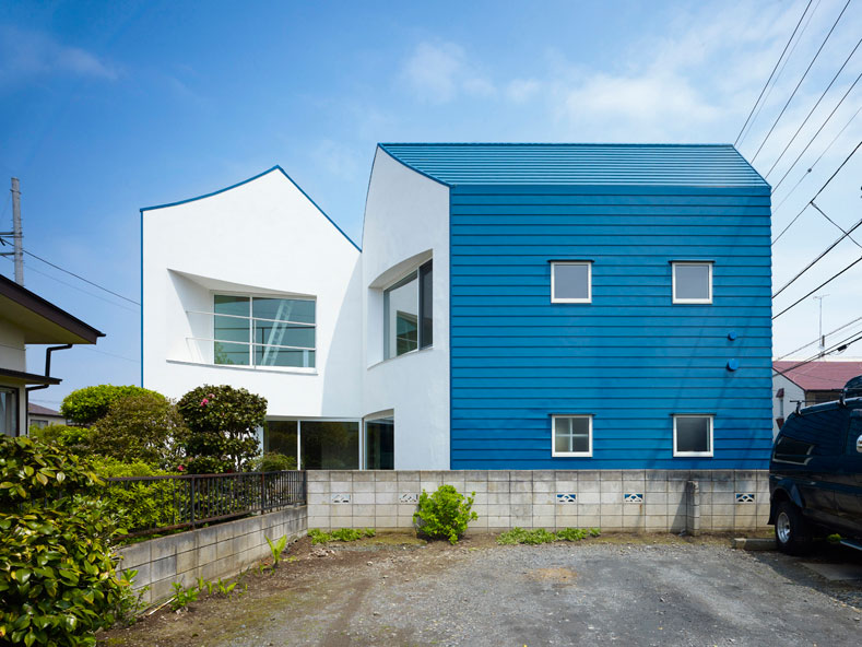 small house snapped - House Snapped: sliced with the finest Japanese steel