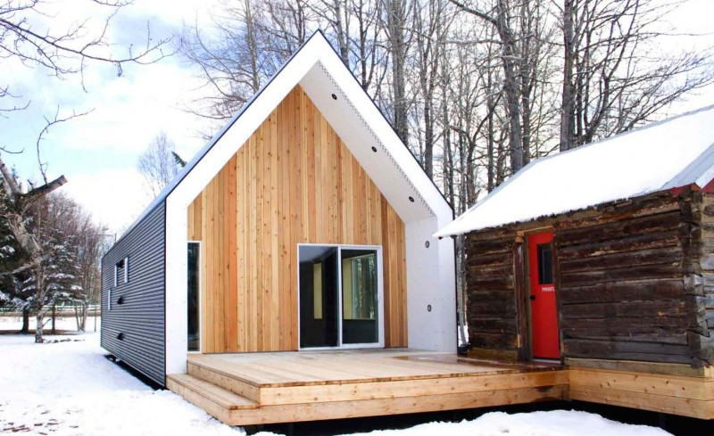 Barn houses small and prefab modern barn homes for Pre built barn homes