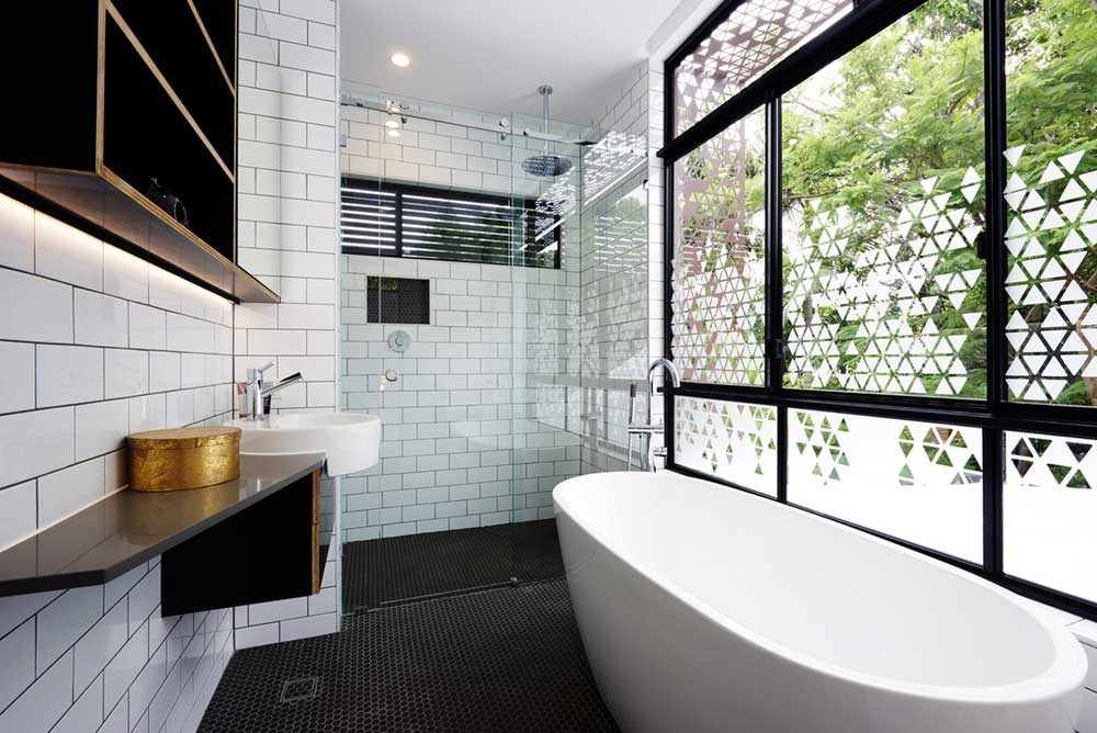 small infill house bathroom design rd - Woolloongabba gardenhouse