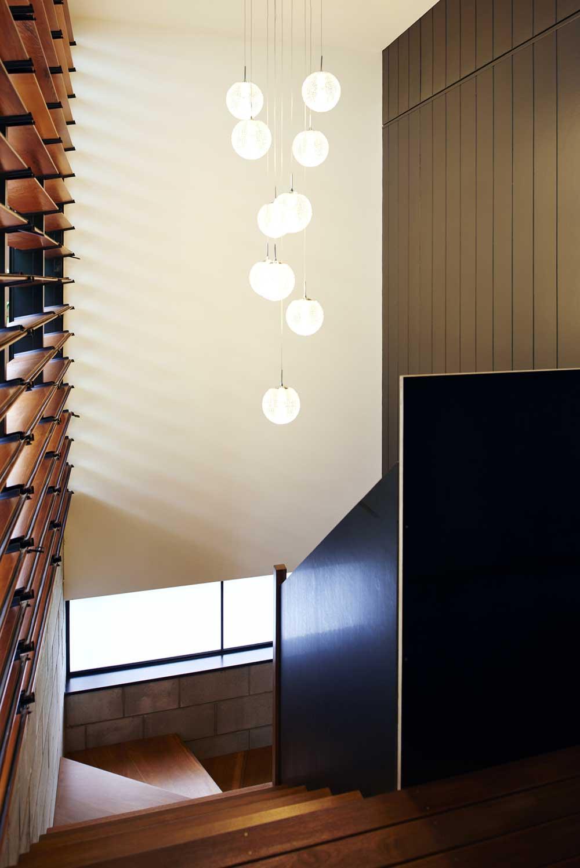 small infill house staircase design rd - Woolloongabba gardenhouse