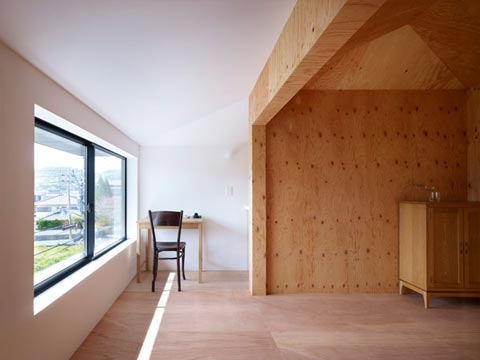 small-japanese-house-belly-7