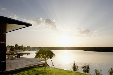 small-lake-house-graz-2