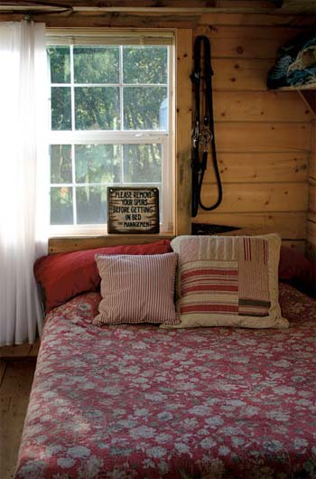 small-log-cabins-jalopy-4