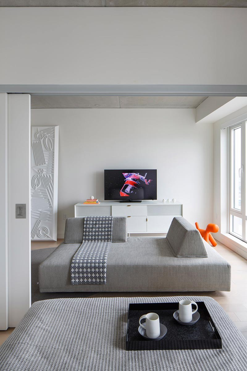 small-modern-apartment-ou