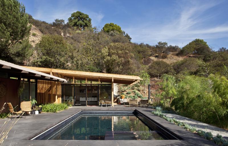 small-modern-house-bb1