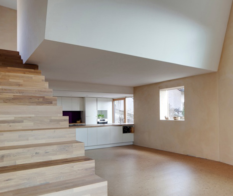 small-plot-house-y2-06