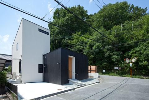 small prefab home niu 8 - Niu House: an inhabitable prefab composition