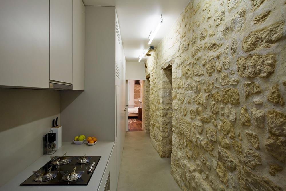 small-studio-apartment-ara1