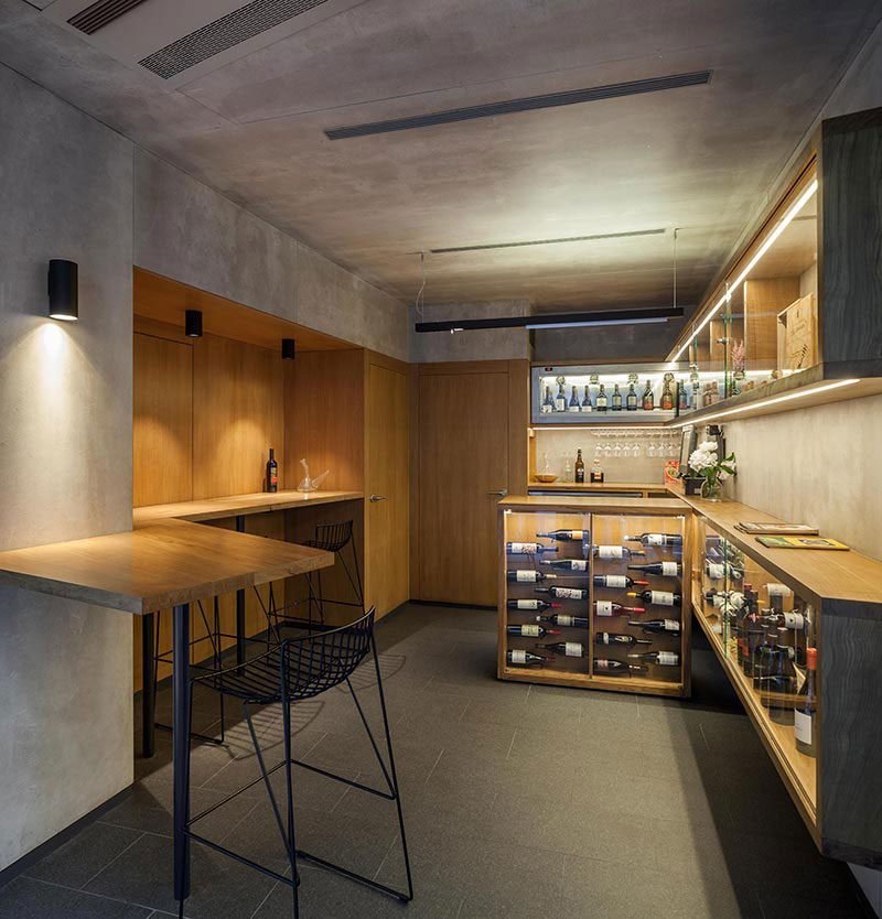 small wine shop design af 800x834 - Tiny Wine Shop In Pamplona