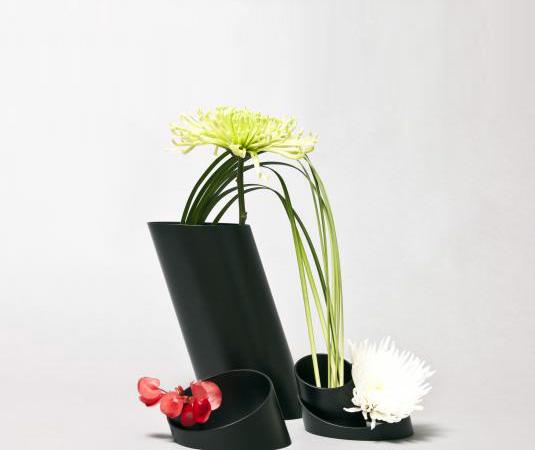 steel-vase-bana