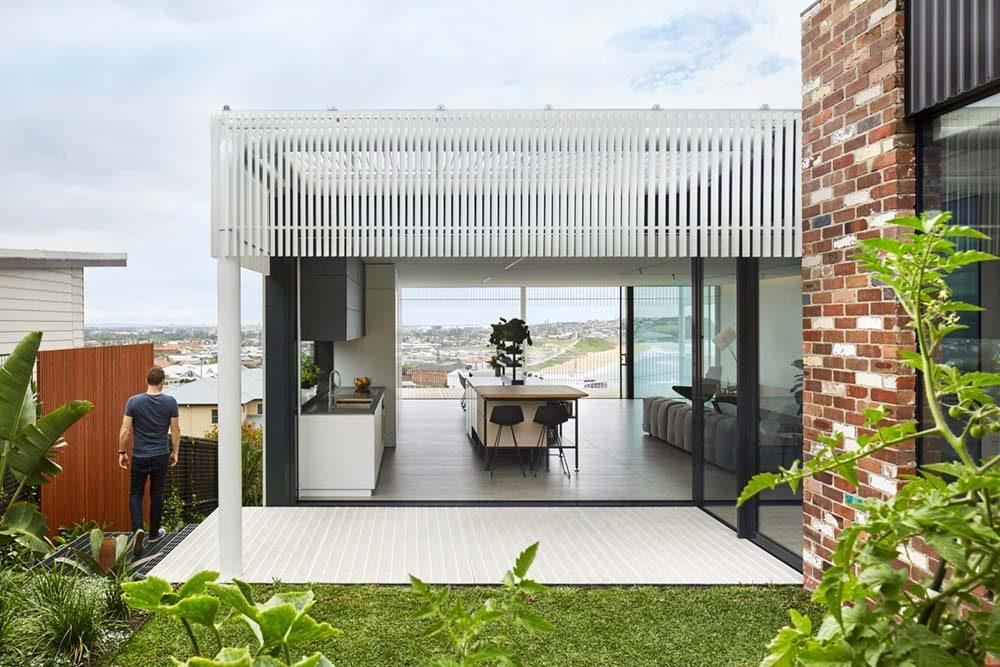 steep lot house design ma 1000x667 - Greenacres