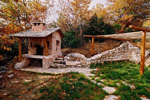 stone-house-greece-dp1