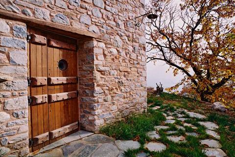 stone-house-greece-dp10