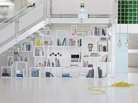 storage shelves stucked 3 - Stucked shelves: it's all about perspectives