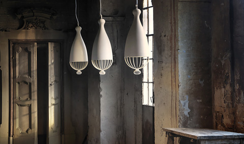 Le trulle suspended sculptures of light lighting for Suspension 2 lampes