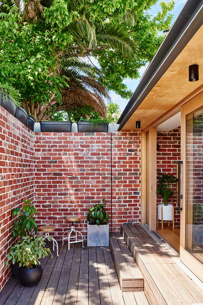 sustainable cottage courtyard - Melbourne Vernacular