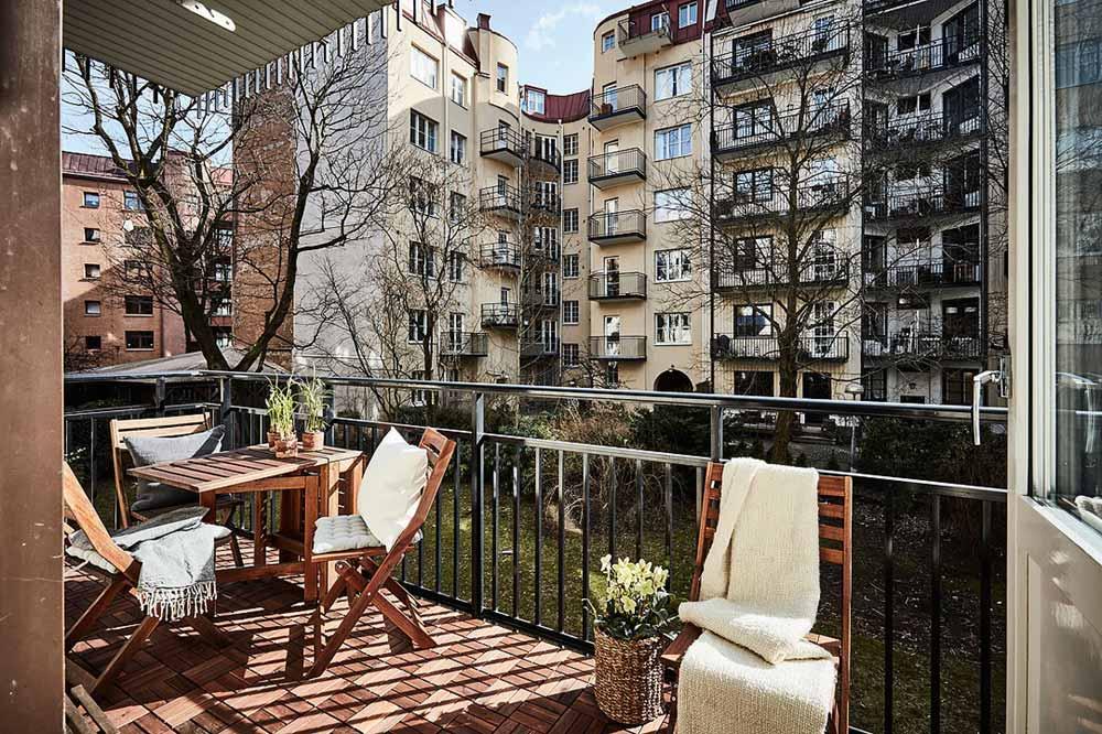 swedish apartment design 9 - Charming 20th Century Apartment