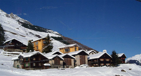 swiss-chalet-leis-house-6