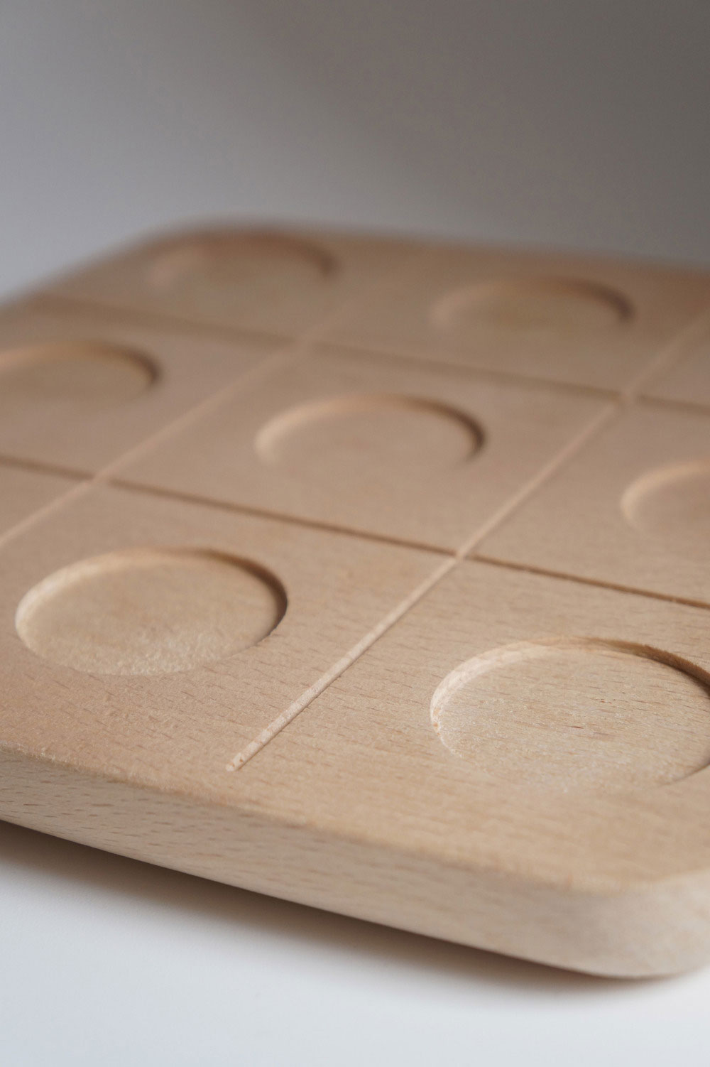 tableware-tic-tac-toe-woody1
