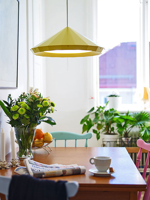 tiny-colorful-apartment-stdsm10