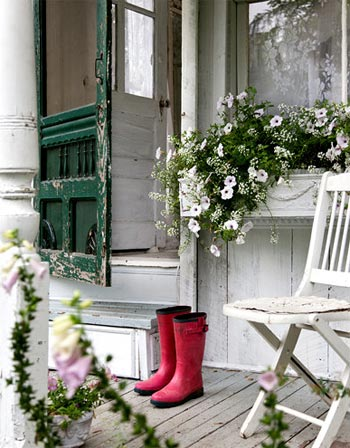 tiny-cottage-victorian-6