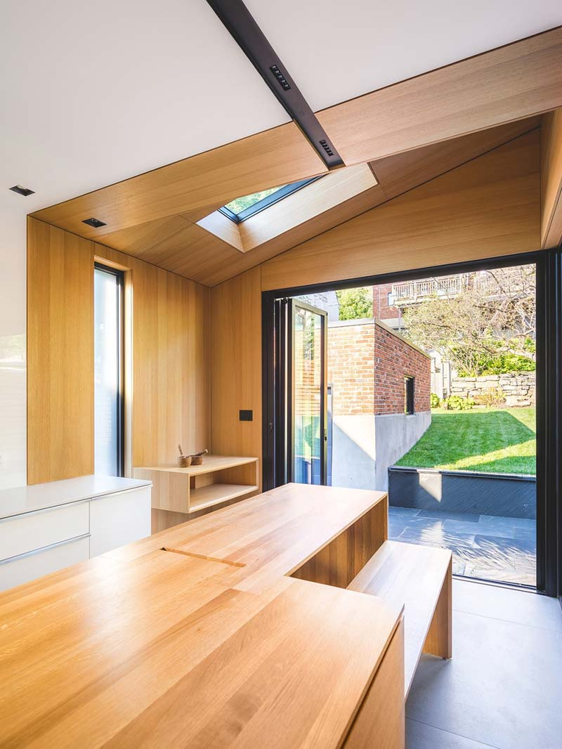 tiny extension townhouse skylight - BLACK BOX II