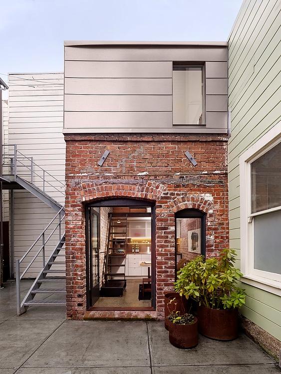 tiny-guest-apartment-ad1
