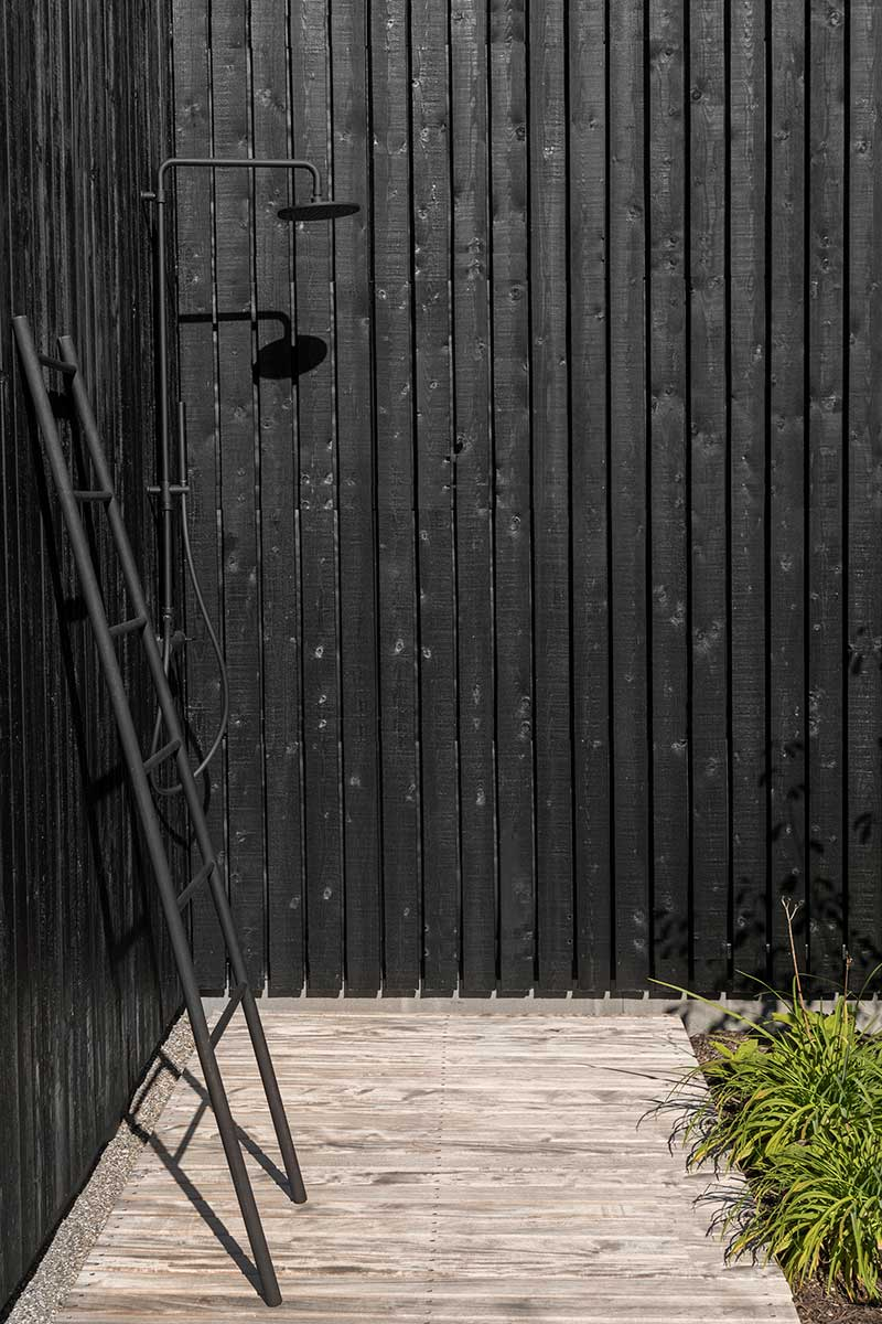 tiny holiday home design outdoor shower - Tiny Holiday Home Vinkeveen