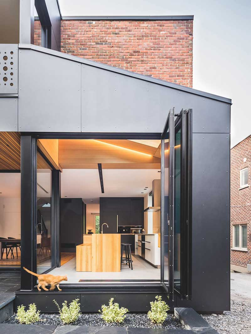 tiny kitchen extension townhouse - BLACK BOX II