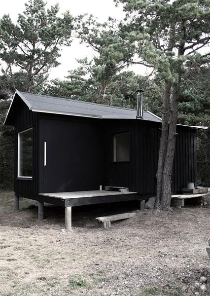tiny-prefab-cabin-ermitage1