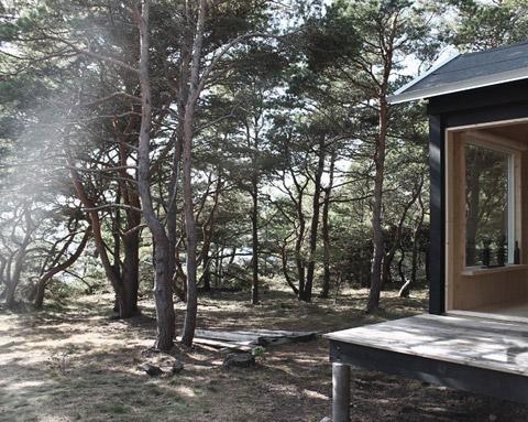 tiny-prefab-cabin-ermitage2