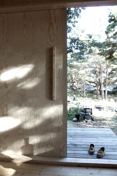 tiny-prefab-cabin-ermitage8