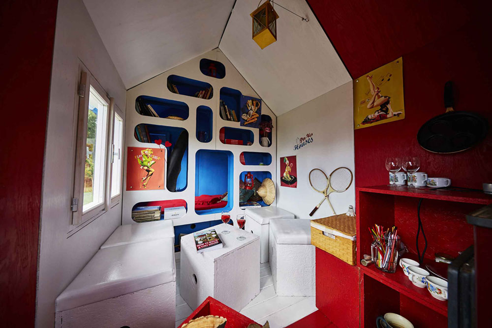 tiny-prefab-cabin-france-3